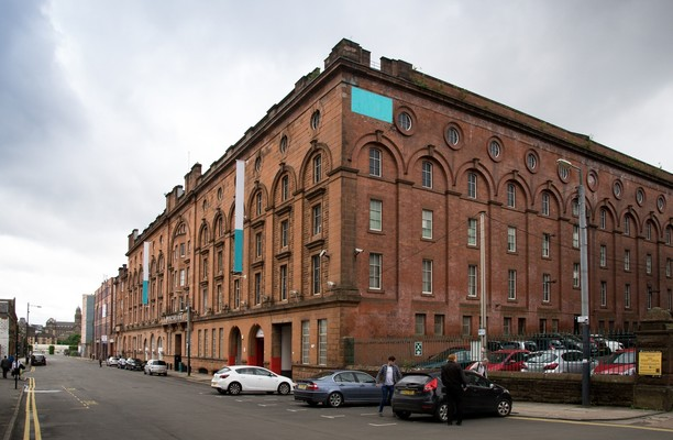Washington Street office space – Building External