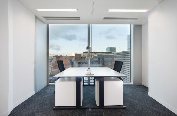 Old Broad Street EC2 office space – Private Office (different sizes available).