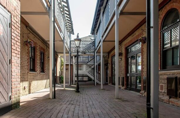 Brighton Road BN1 office space – Courtyard