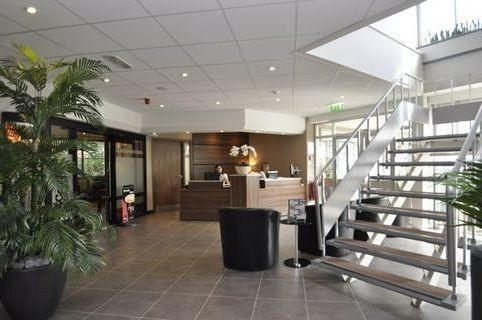 Carwright Street SK14 office space – Reception