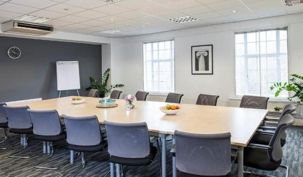 Grosvenor Gardens SW1 office space – Meeting/Boardroom.