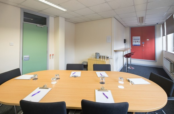 Oaks Lane S70 office space – Meeting/Boardroom.