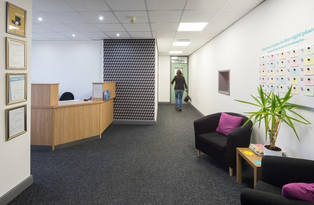 Oaks Lane S70 office space – Reception