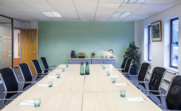 Oxford Street RG2 office space – Meeting/Boardroom.