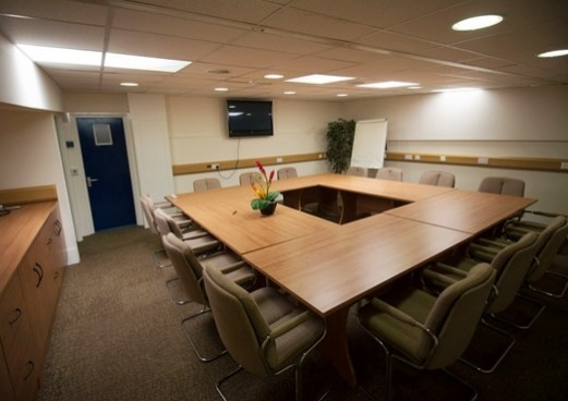 Barton Road MK1-MK3 office space – Meeting/Boardroom.