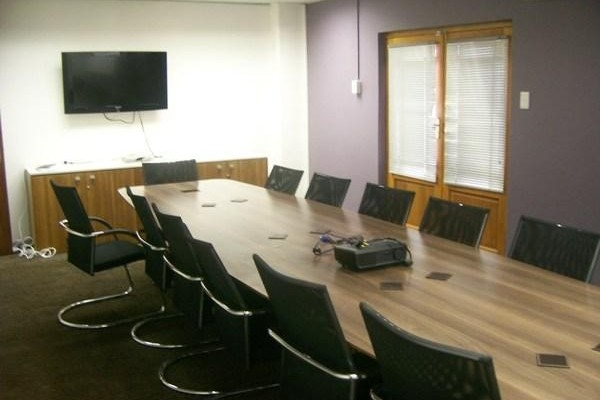 Harmony Row G1 office space – Meeting/Boardroom.