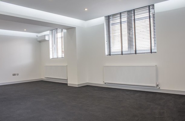 Rosslyn Crescent HA1, HA3 office space – Private Office (different sizes available).
