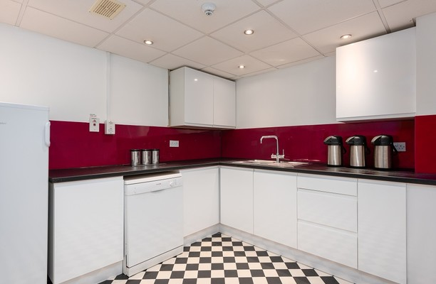 Molly Millars Close RG40 office space – Kitchen
