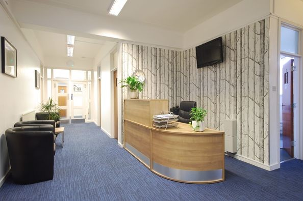 Falcon Road SW2, SW11 office space – Reception