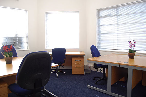 Falcon Road SW2, SW11 office space – Private Office (different sizes available).