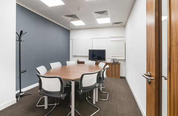 Bark Street BL1 office space – Meeting/Boardroom.