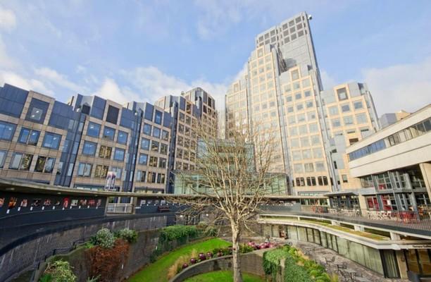 Aldersgate EC1 office space – Building External
