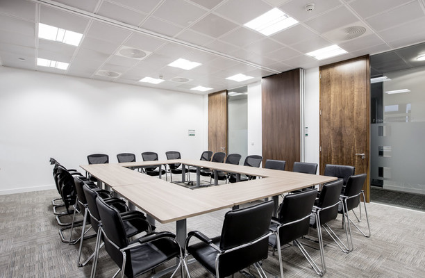 Victoria Street office space – Meeting/Boardroom.