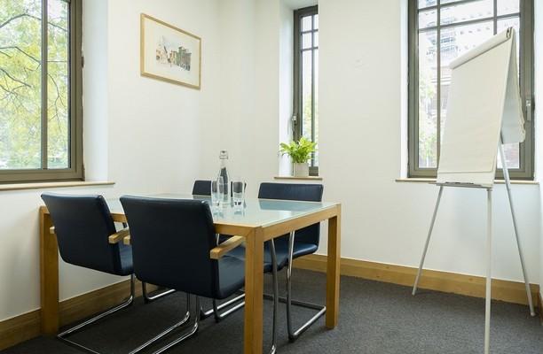 Wormwood Street EC2 office space – Meeting/Boardroom.