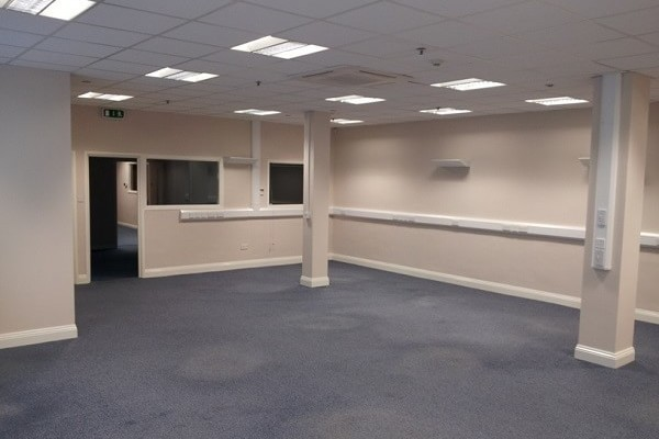 Thornbury Road PL1 - 9 office space – Hallway