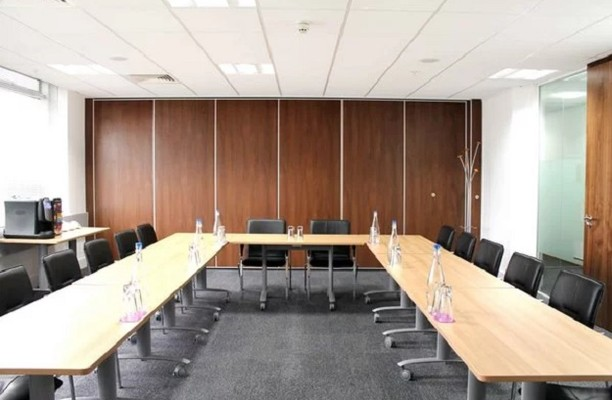 Shortlands W6 office space – Meeting/Boardroom.