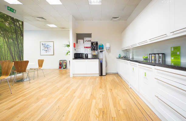 Clarendon Road WD1, WD2 office space – Kitchen