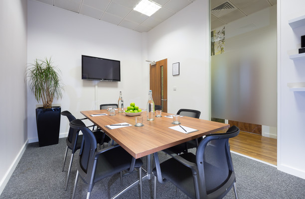 Clarendon Road WD1, WD2 office space – Meeting/Boardroom.