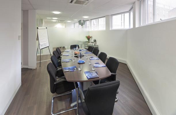 Waterloo Road SE1 office space – Meeting/Boardroom.