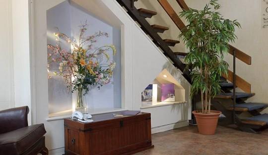 Wilsom Road GU21 office space – Reception
