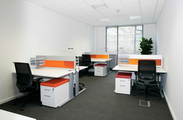 London Road GU15 - GU17 office space – Private Office (different sizes available).