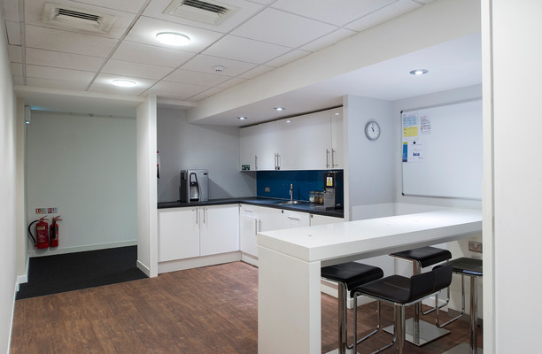Fitzalan Road CF10 office space – Kitchen
