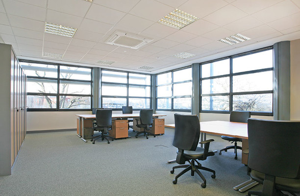 Bessemer Road AL8 office space – Private Office (different sizes available).
