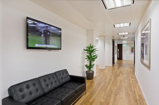 Gresham Street EC2 office space – Hallway