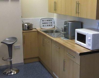 Avenue West CM7 office space – Kitchen