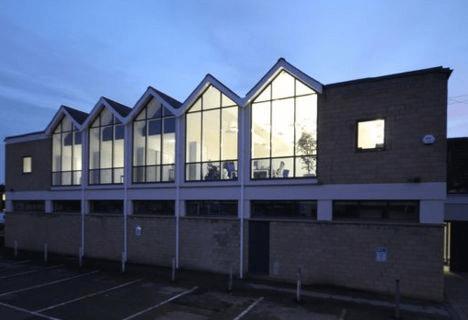 Kingsbury Square SN12 office space – Building External