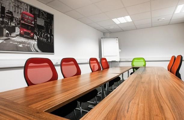 Honeypot Lane HA7 office space – Meeting/Boardroom.