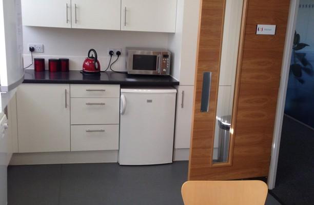 Honeypot Lane HA7 office space – Kitchen