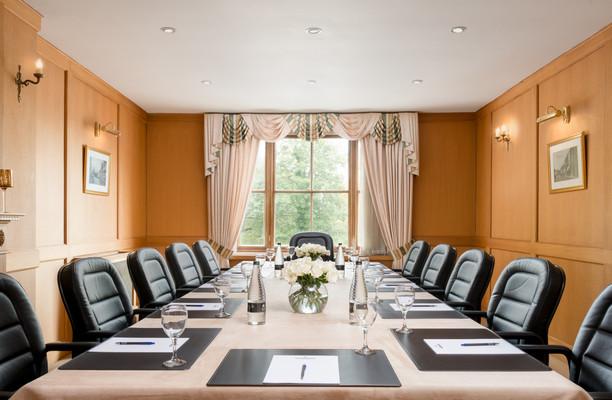 Shute End, Wokingham RG40 office space – Meeting/Boardroom.
