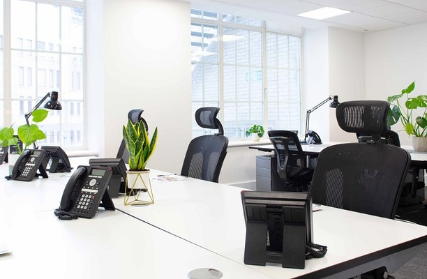 New Broad Street EC2 office space – Private Office (different sizes available).