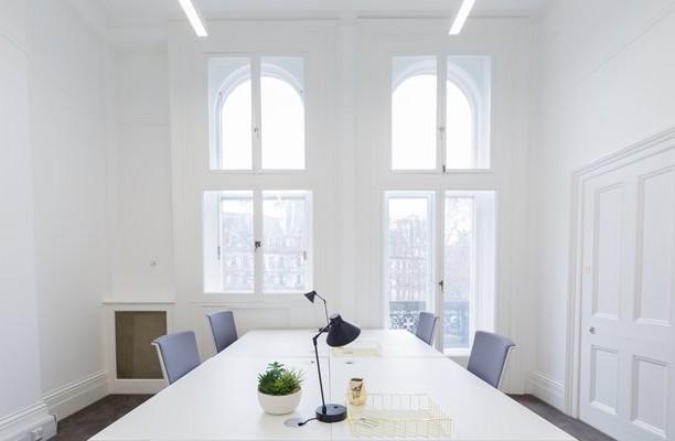 Grosvenor Gardens SW1W office space – Meeting/Boardroom.