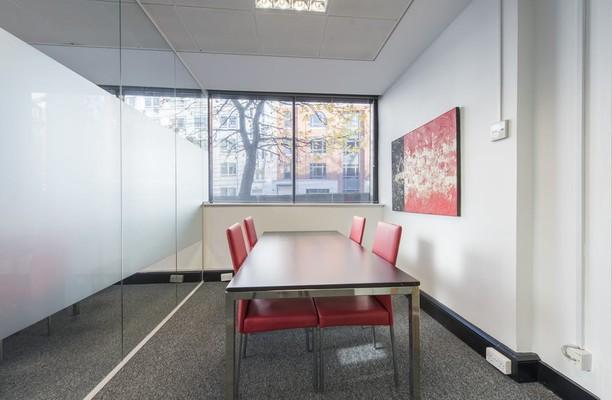 Vauxhall Bridge Road SW1 office space – Meeting/Boardroom.