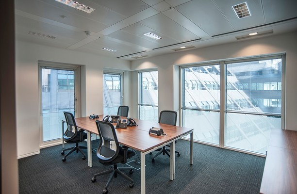 London Street EC3 office space – Private Office (different sizes available).
