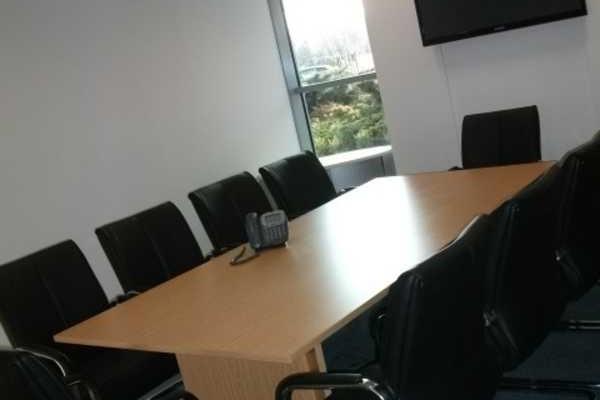 Gateway West NE1 office space – Meeting/Boardroom.