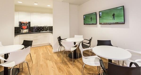 St Julian's Avenue XX1 office space – Kitchen