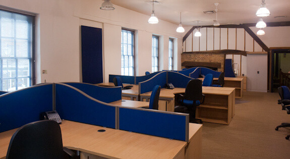 Couching Street OX49 office space – Private Office (different sizes available).