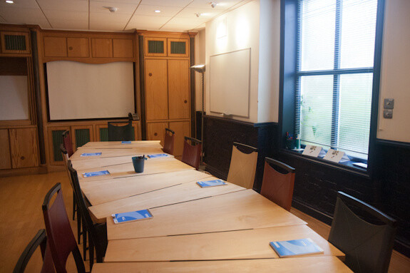 Couching Street OX49 office space – Meeting/Boardroom.