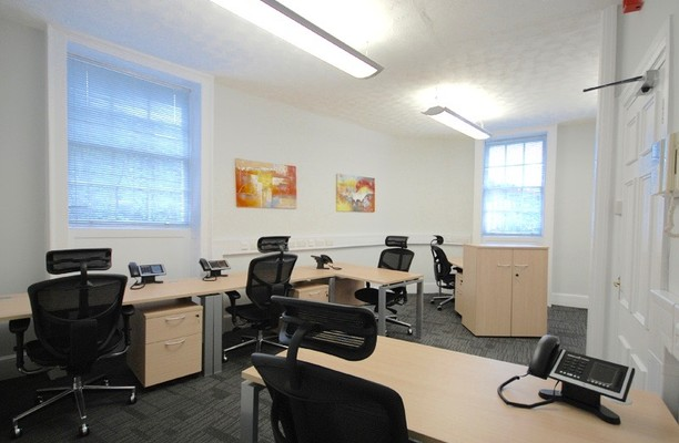 Fitzroy Street W1 office space – Private Office (different sizes available).
