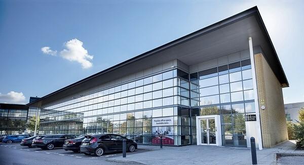 Falcon Gate AL8 office space – Building External