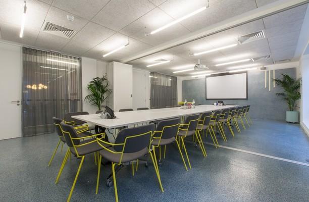 Angel Square N18 office space – Meeting/Boardroom.