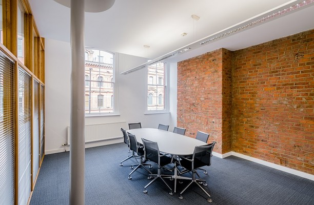 Portland Street M2 office space – Meeting/Boardroom.