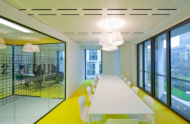 Finsbury Square EC1, EC2 office space – Meeting/Boardroom.