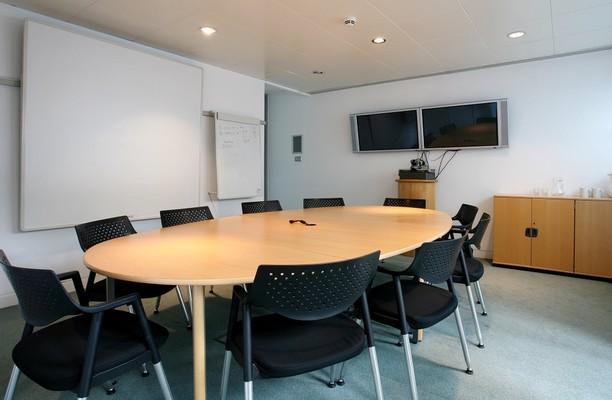 Bickenhill Lane B1 office space – Meeting/Boardroom.