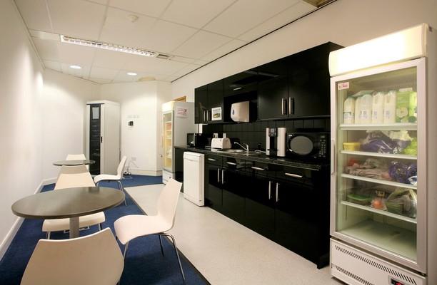 Bickenhill Lane B1 office space – Kitchen