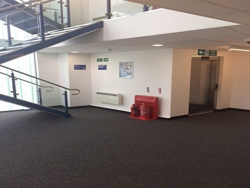 Oldfields Road RH5 office space – Hallway
