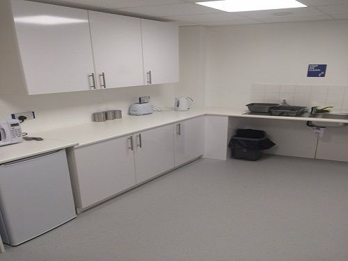 Oldfields Road RH5 office space – Kitchen